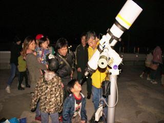 こちらは白い木星を観測。衛星までくっきり見えました。