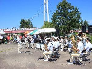 軽快な演奏を披露した札幌市消防音楽隊