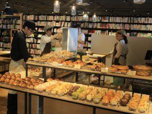 店内のパン屋さん