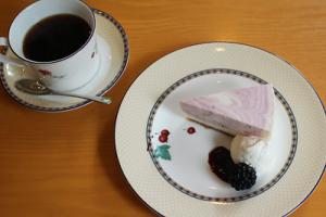 チーズレアケーキとコーヒー